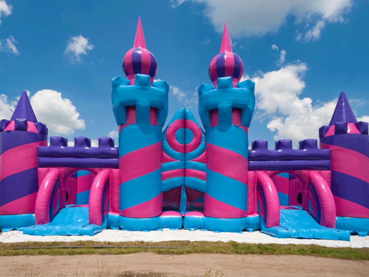 Nhà hơi lâu đài khổng lồ